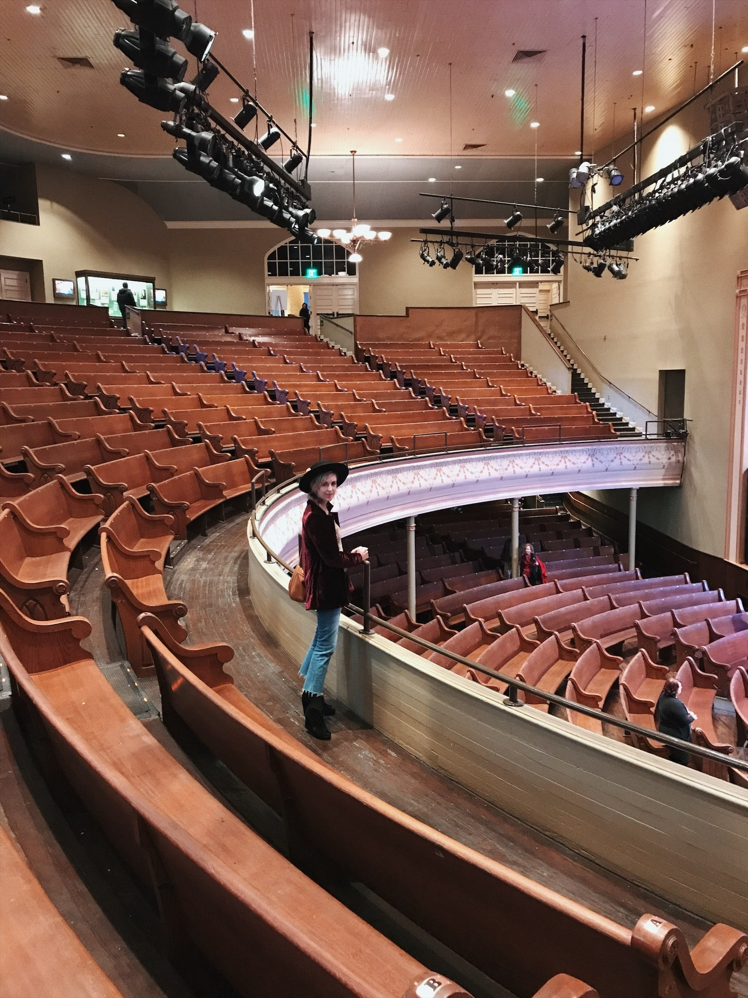 Tour of the Grand Ole Opry | Oui We Girl