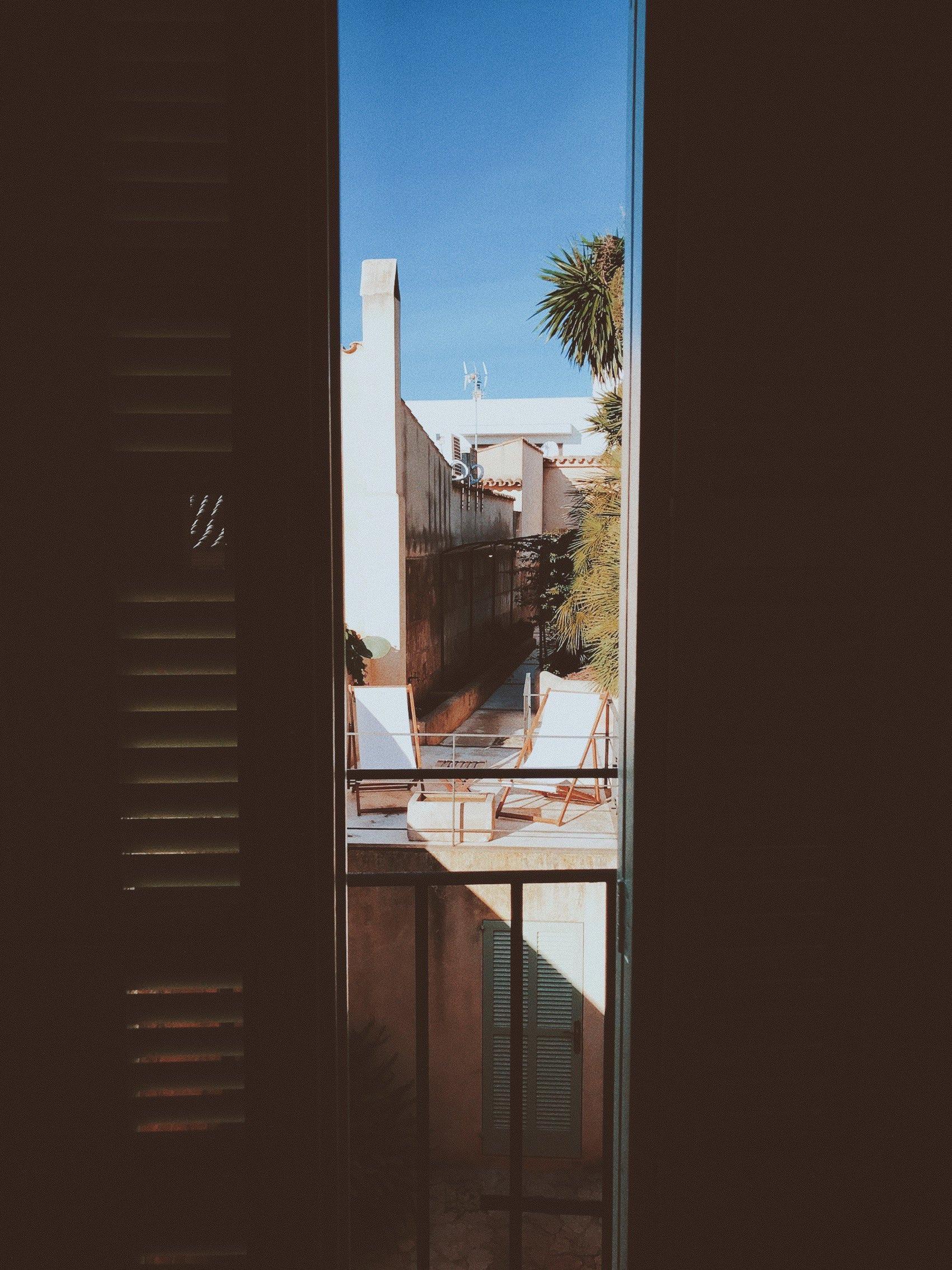 airbnb mallorca: ouiwegirl.com