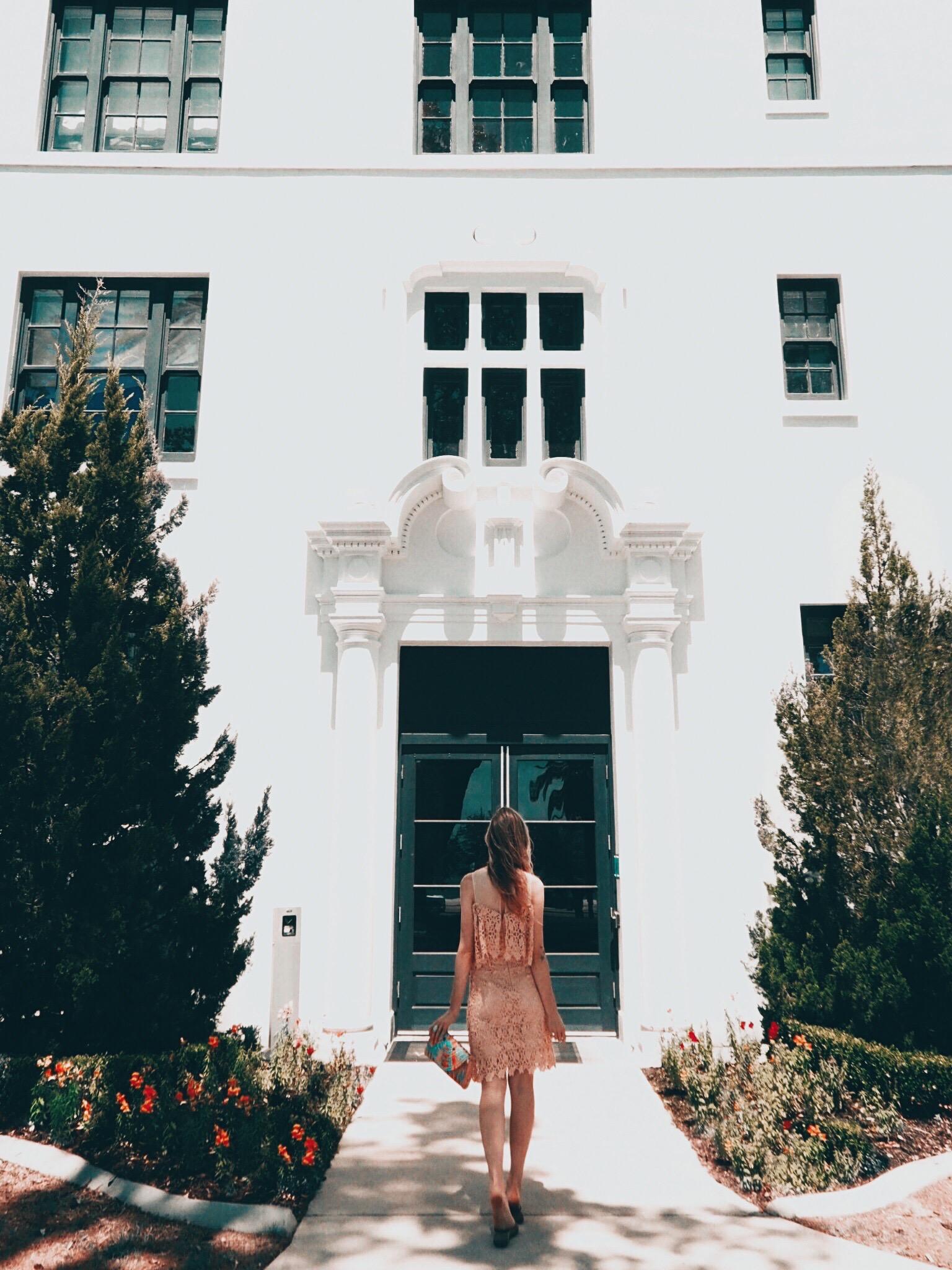 WHITE HOUSE BILOXI   Oui We