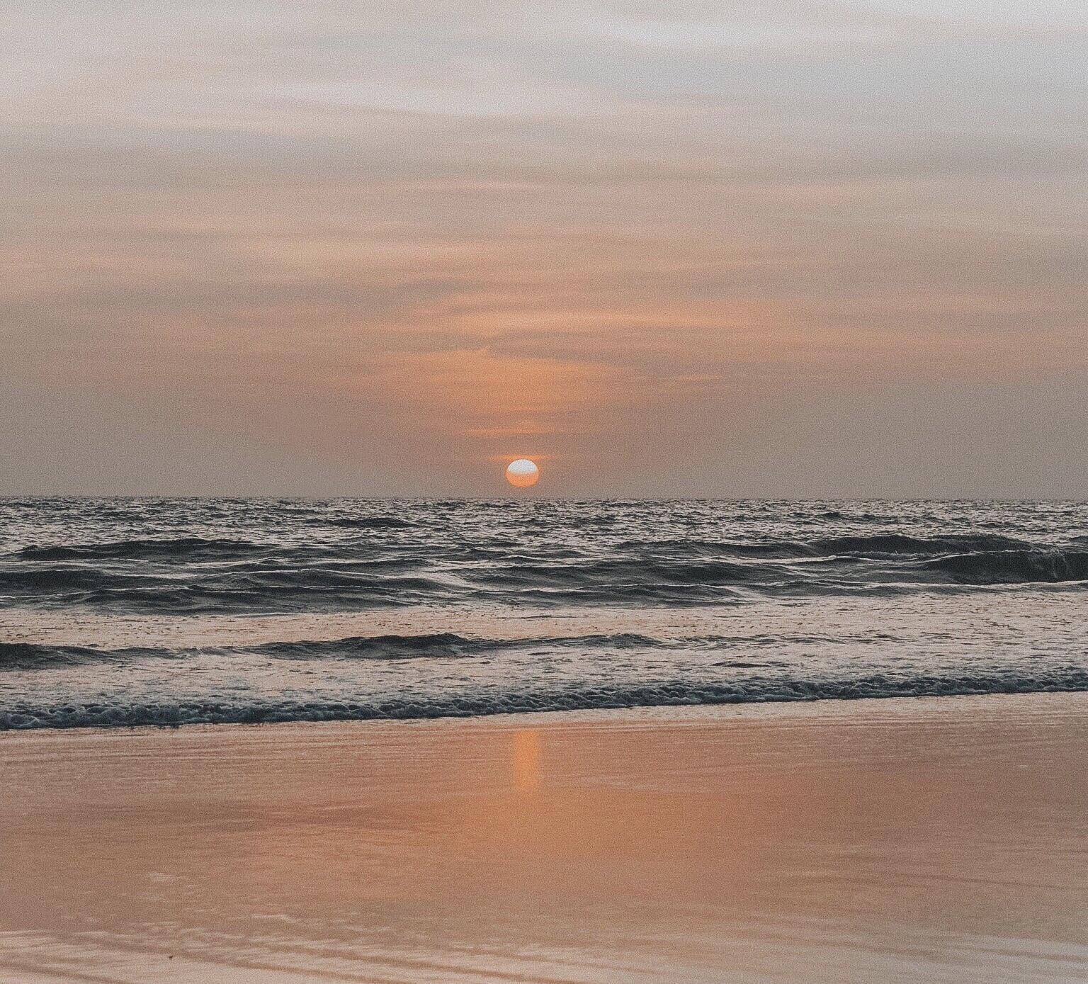 Sunset on Seminyak    ouiwegirl.com