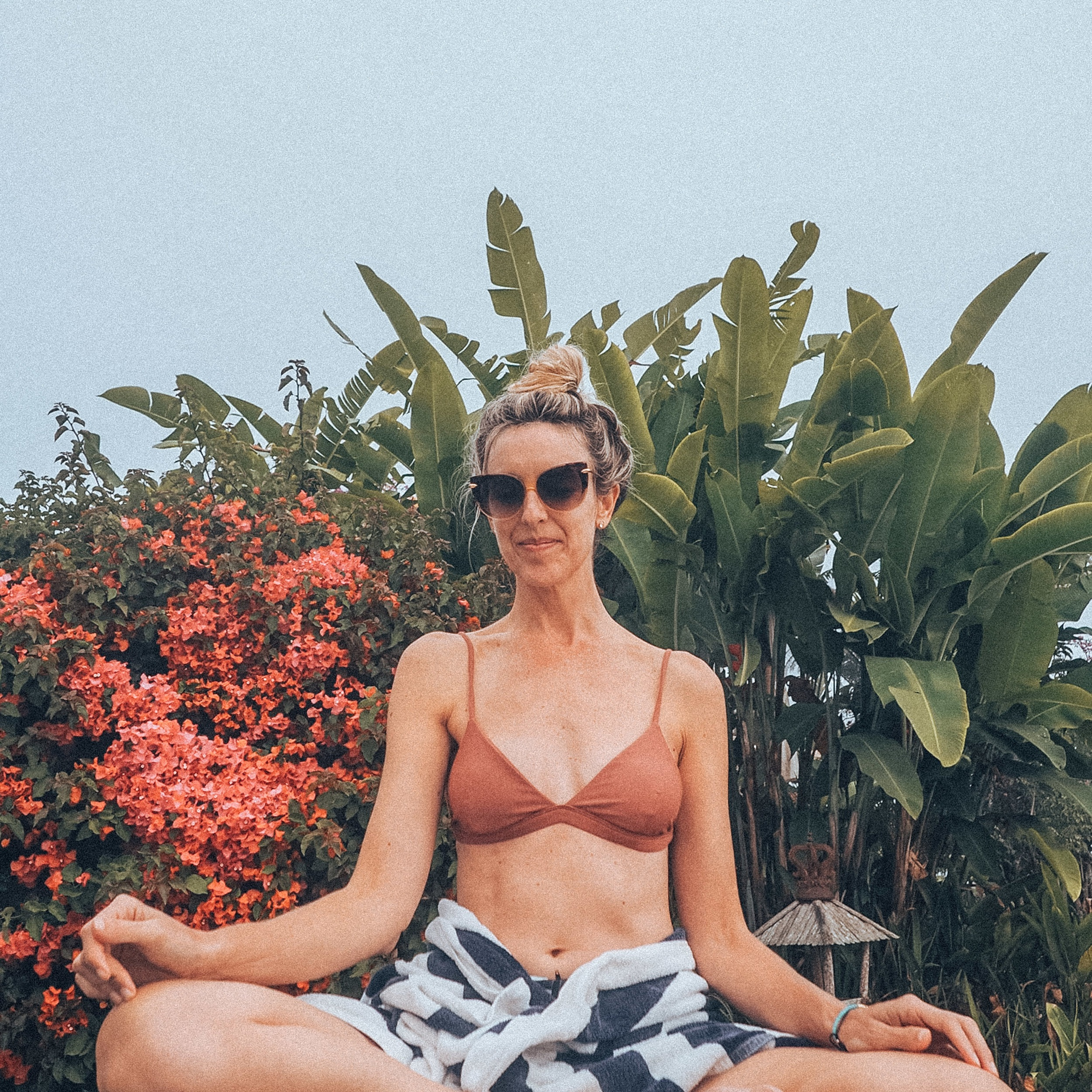 beach yoga, yogascapes, gitana del mar, chakra cleansing, balance, mindset