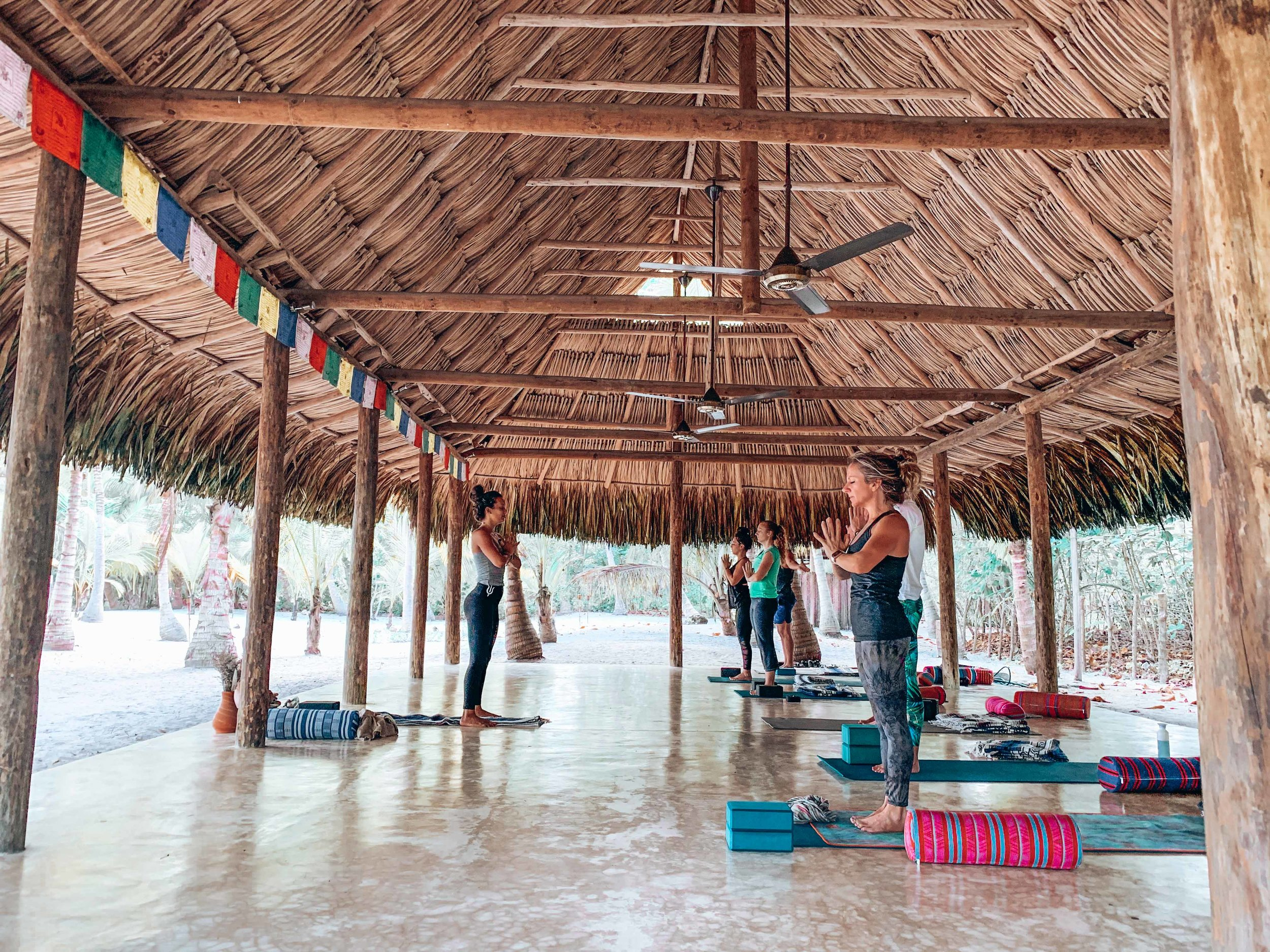 What to expect on a yoga retreat: ouiwegirl.com
