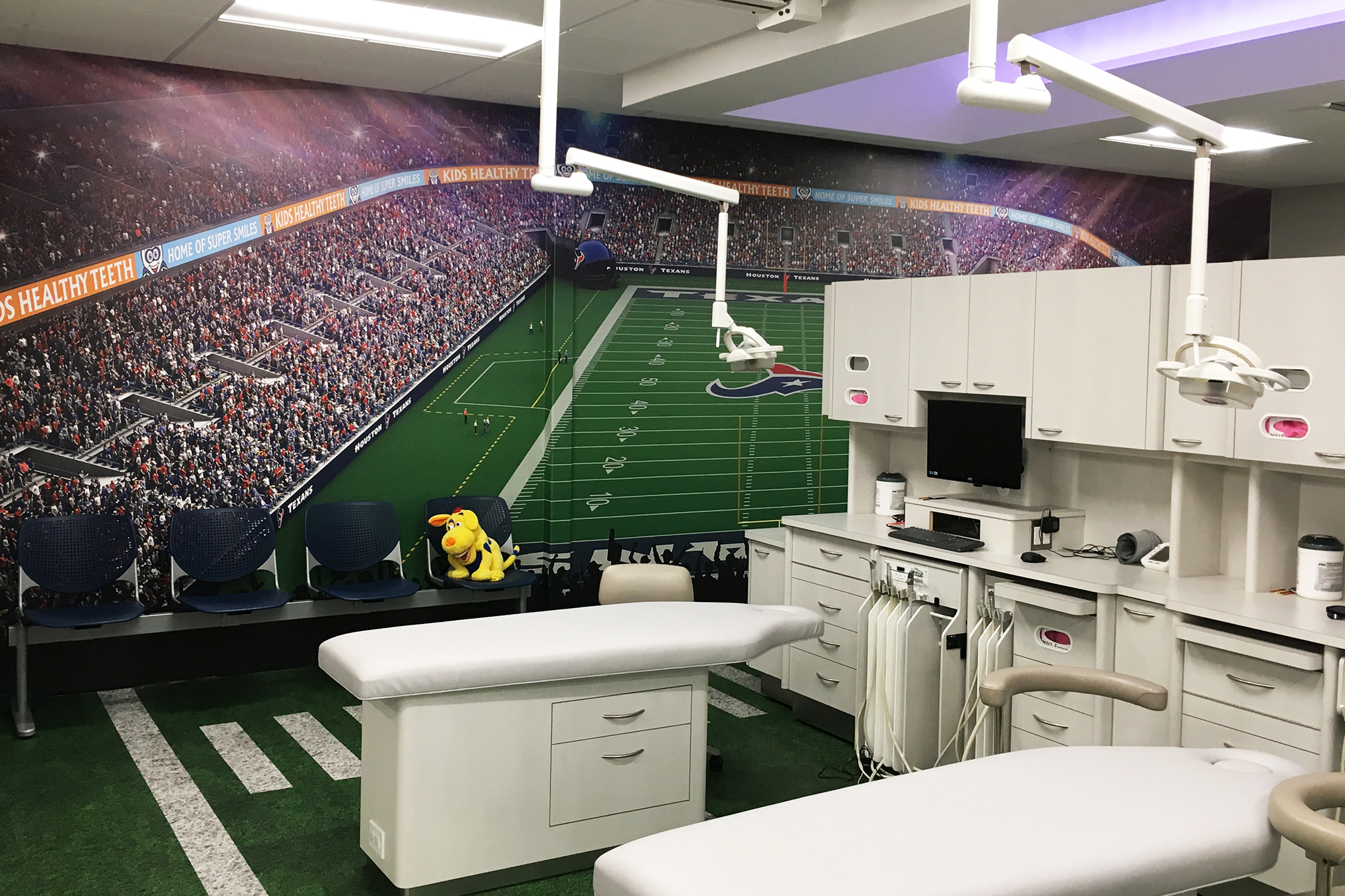 Box Seats Within a Pediatric Dental Hygienist Room