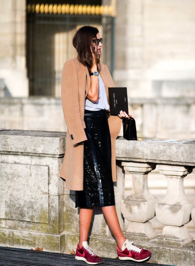 How to wear a skirt over 30