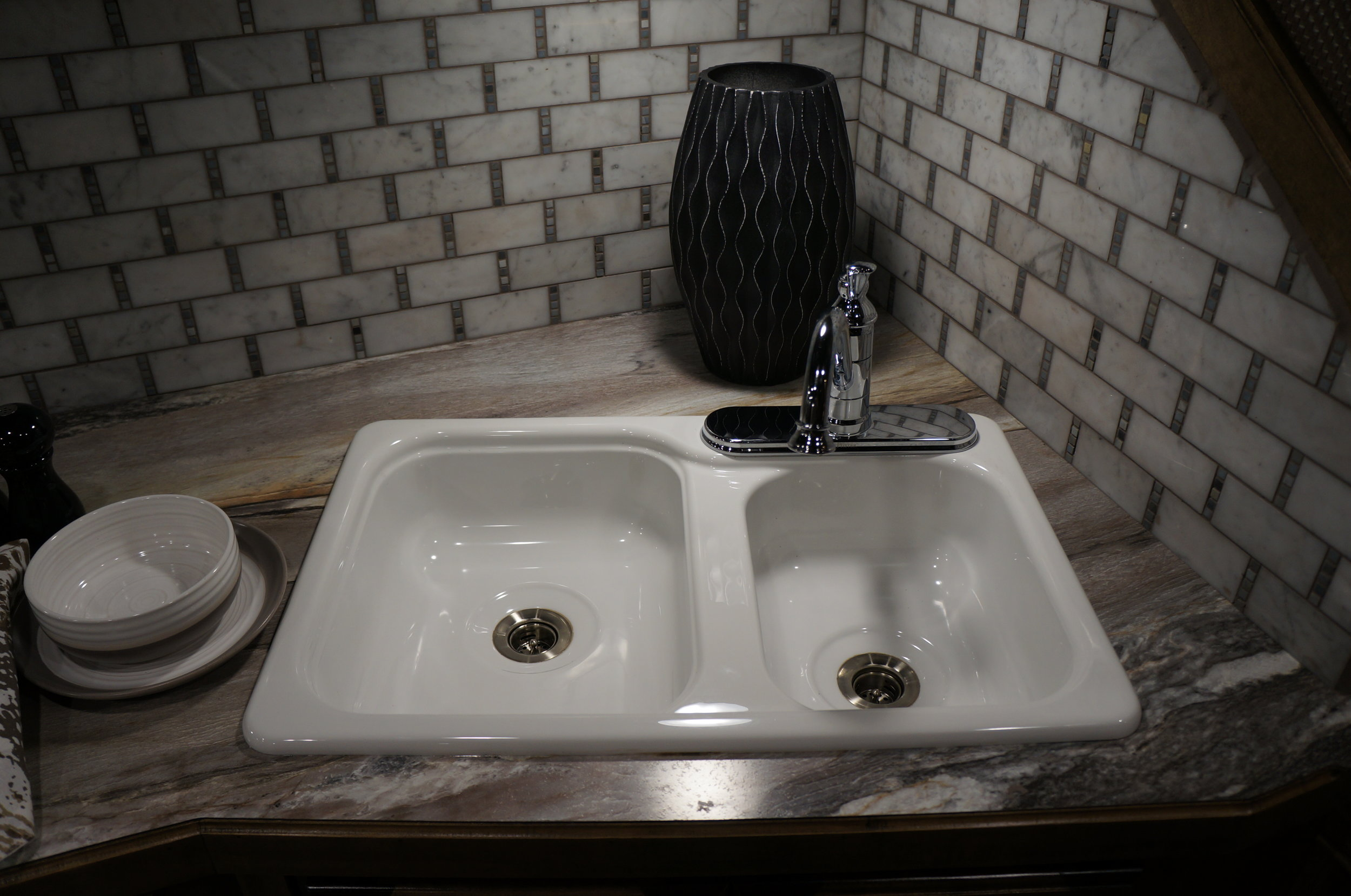 Standard White Double Sink with Silver Faucet