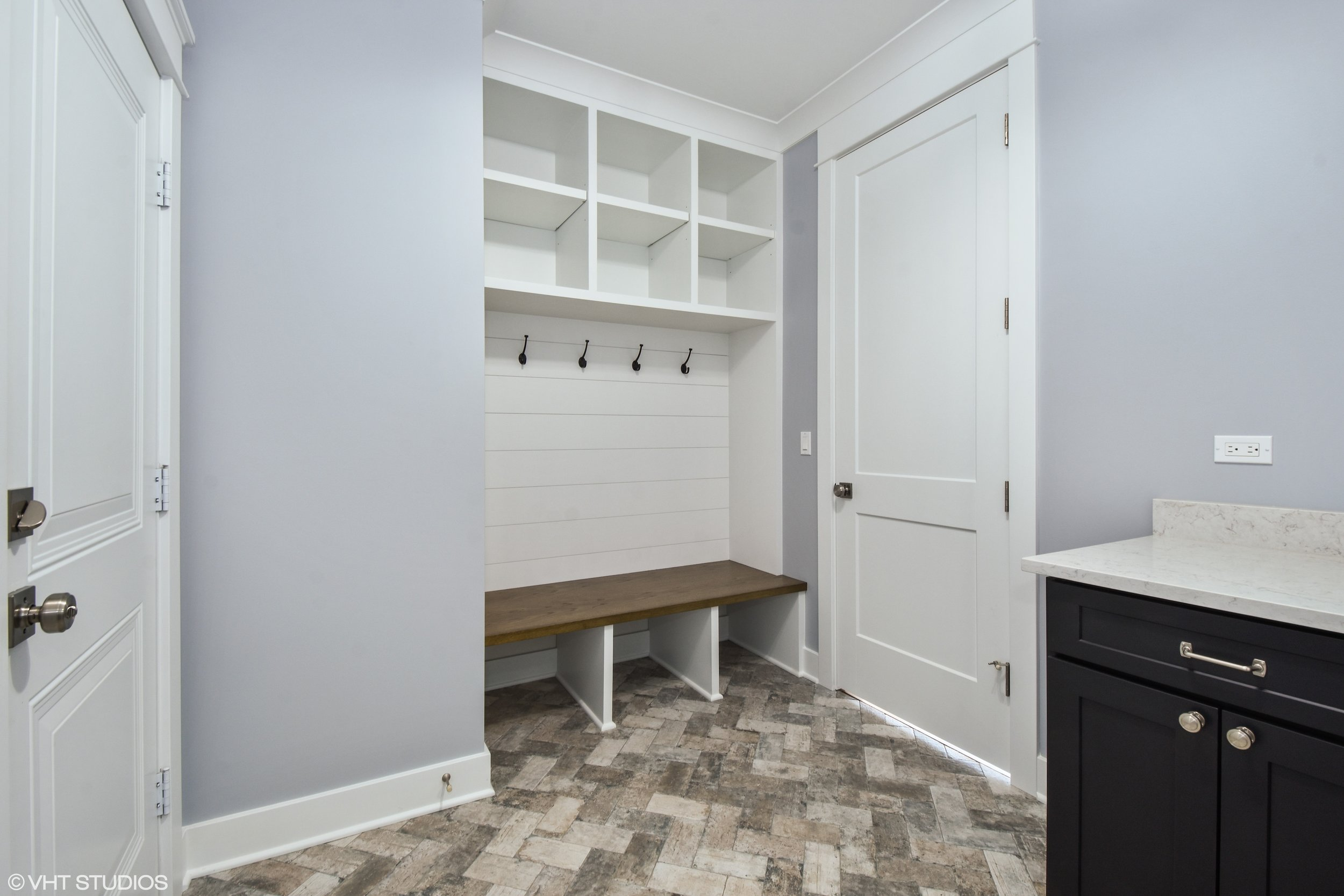 11_207WHillsideAvenue_195_Mudroom_HiRes.jpg