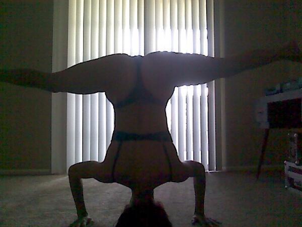 thong yoga.jpg