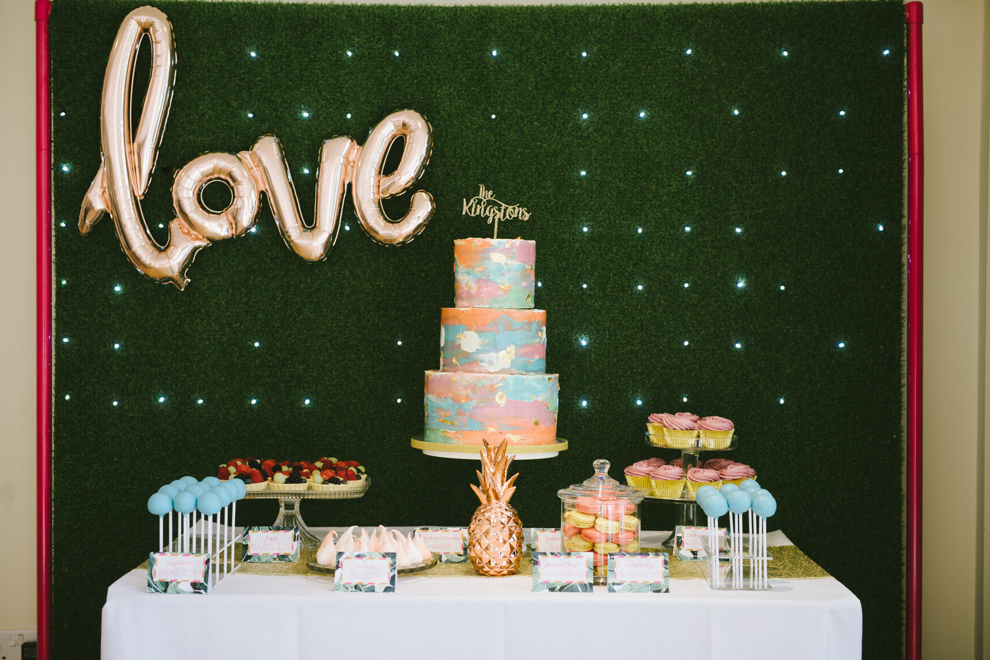 Jenny and Dominic cake table