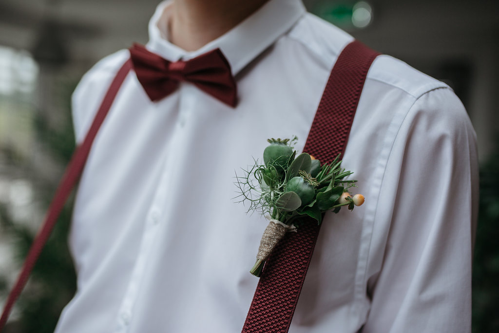Boho botanical wedding boutonniere | The Sweet Stuff