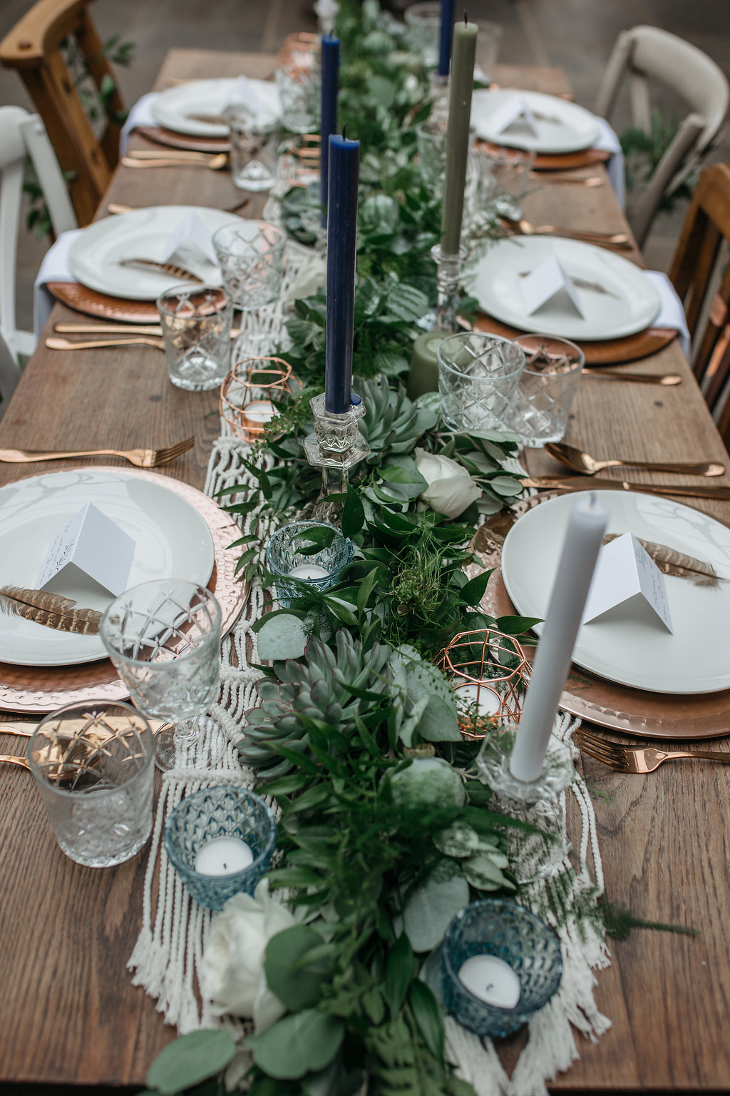 Boho botanical wedding table setting | The Sweet Stuff