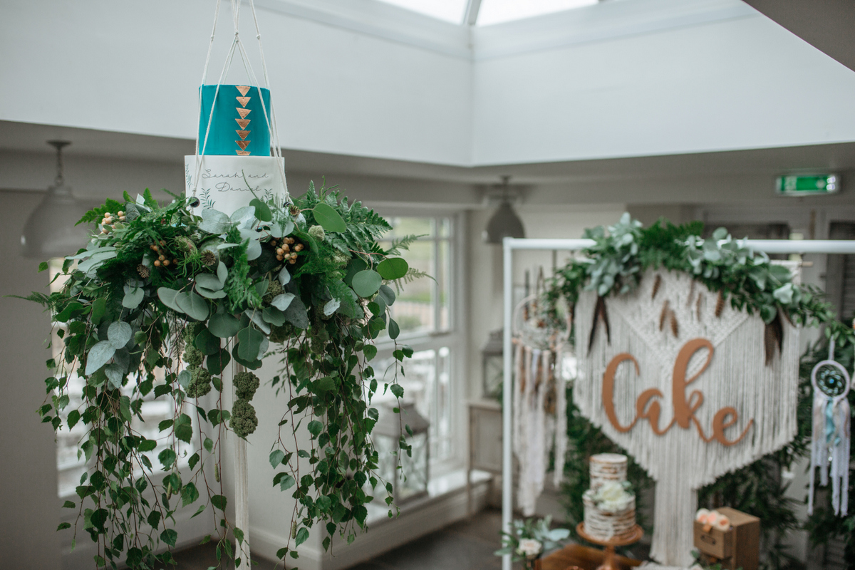 macrame plant hanger wedding cake