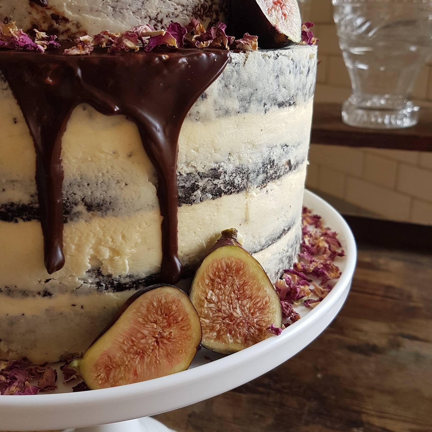 semi-naked+drip+cake.jpg