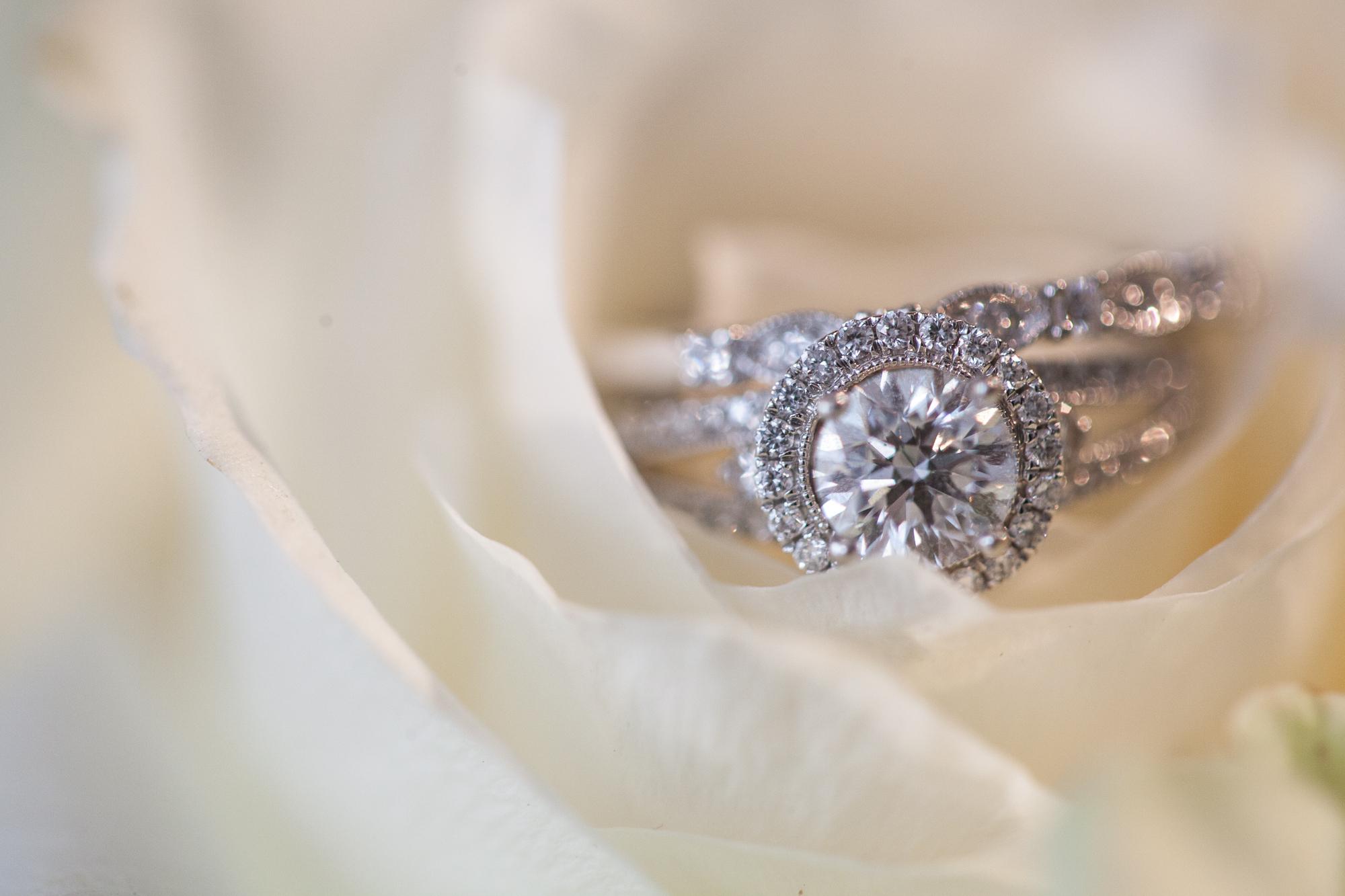 wedding-ring-white-rose