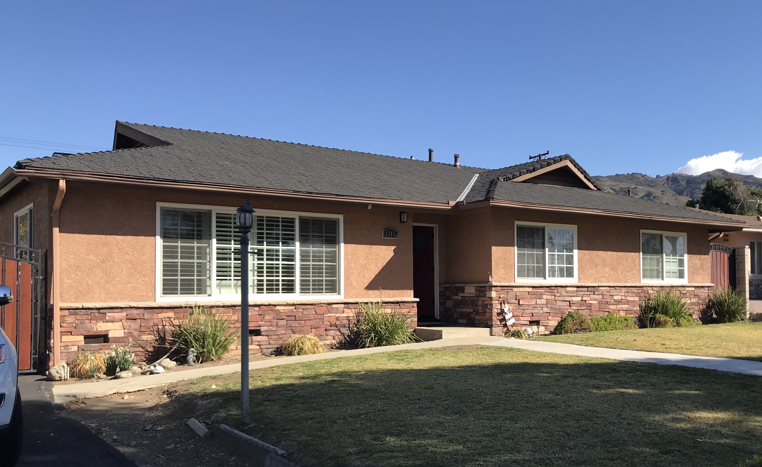 1215 E. Foothill -