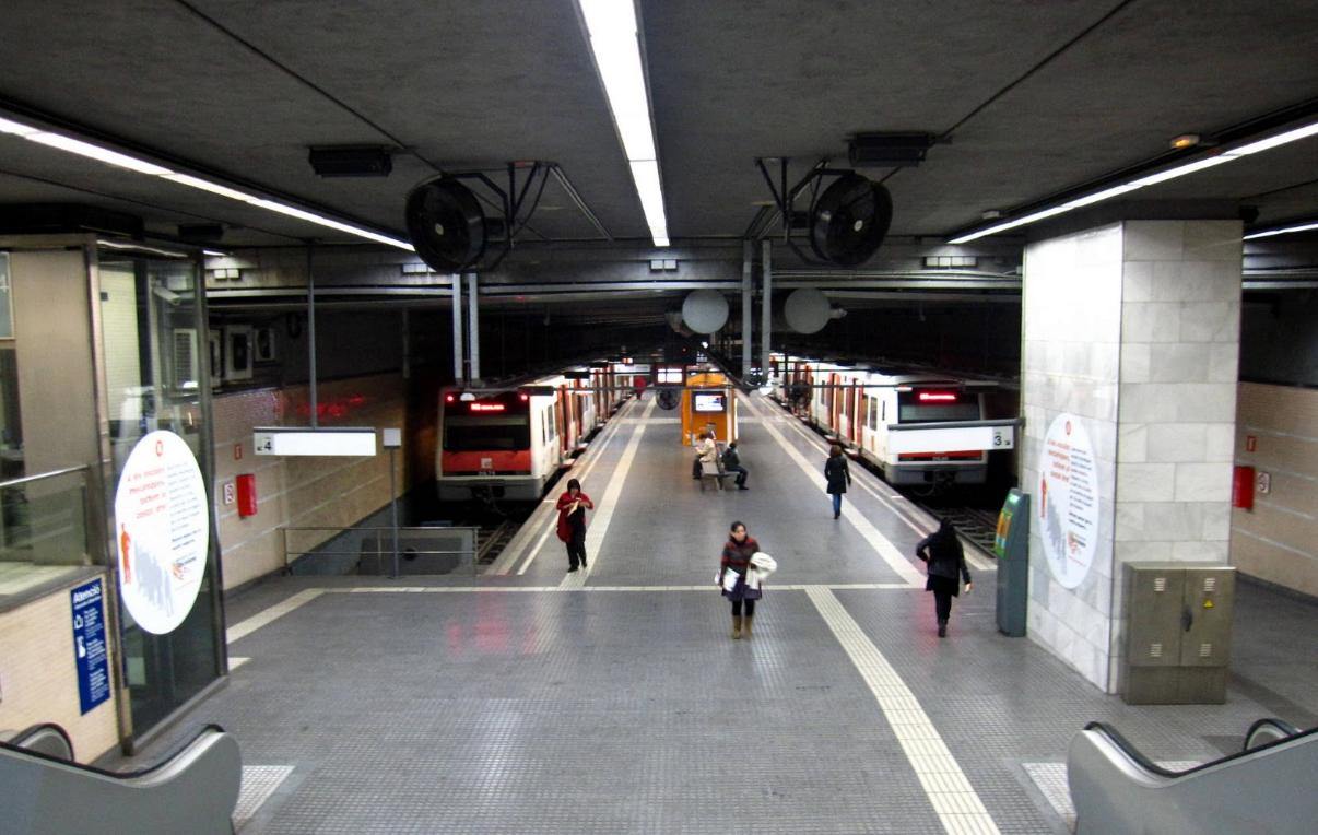 Espanya역 몬세라트행 기차 타는 곳 모습