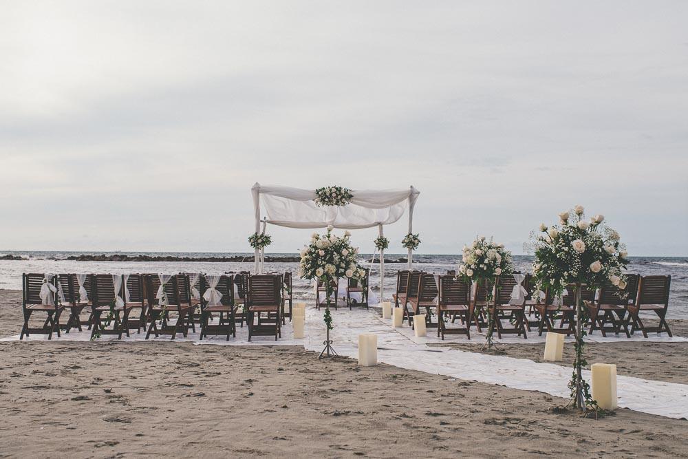 decoracion de bodas en la playa.jpg