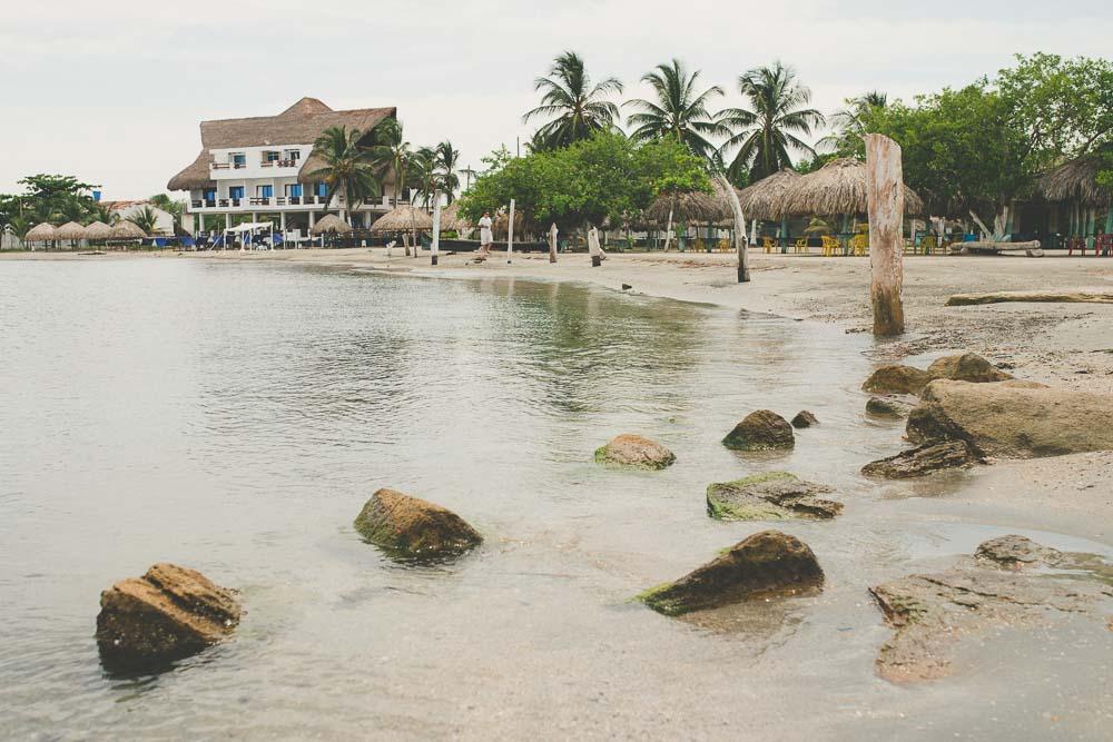 hotel las palmeras coveñas.jpg