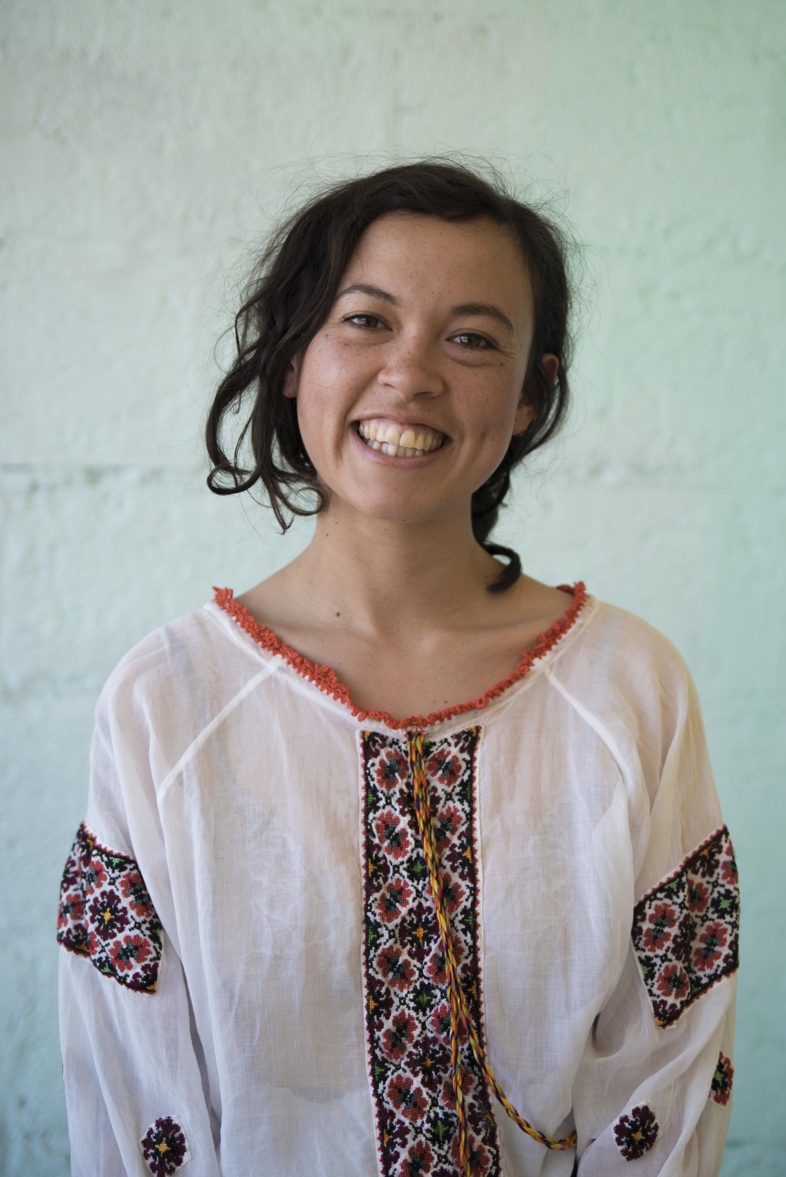 Nadia Suartika
