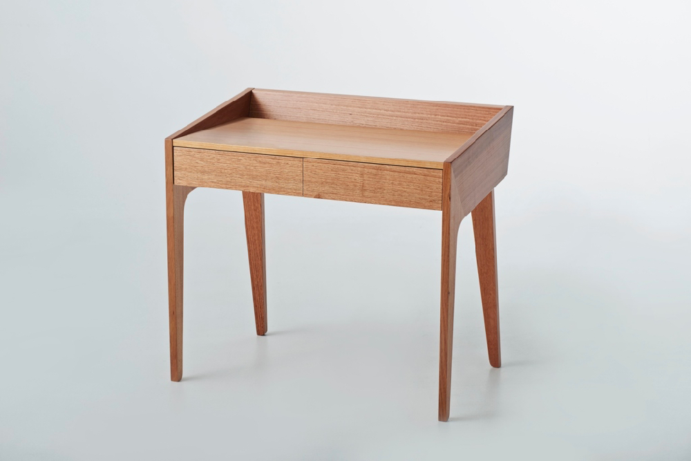 Robyn Wood,  Reflect Desk,  2015, Victorian Ash, photo: Simon Vaughan