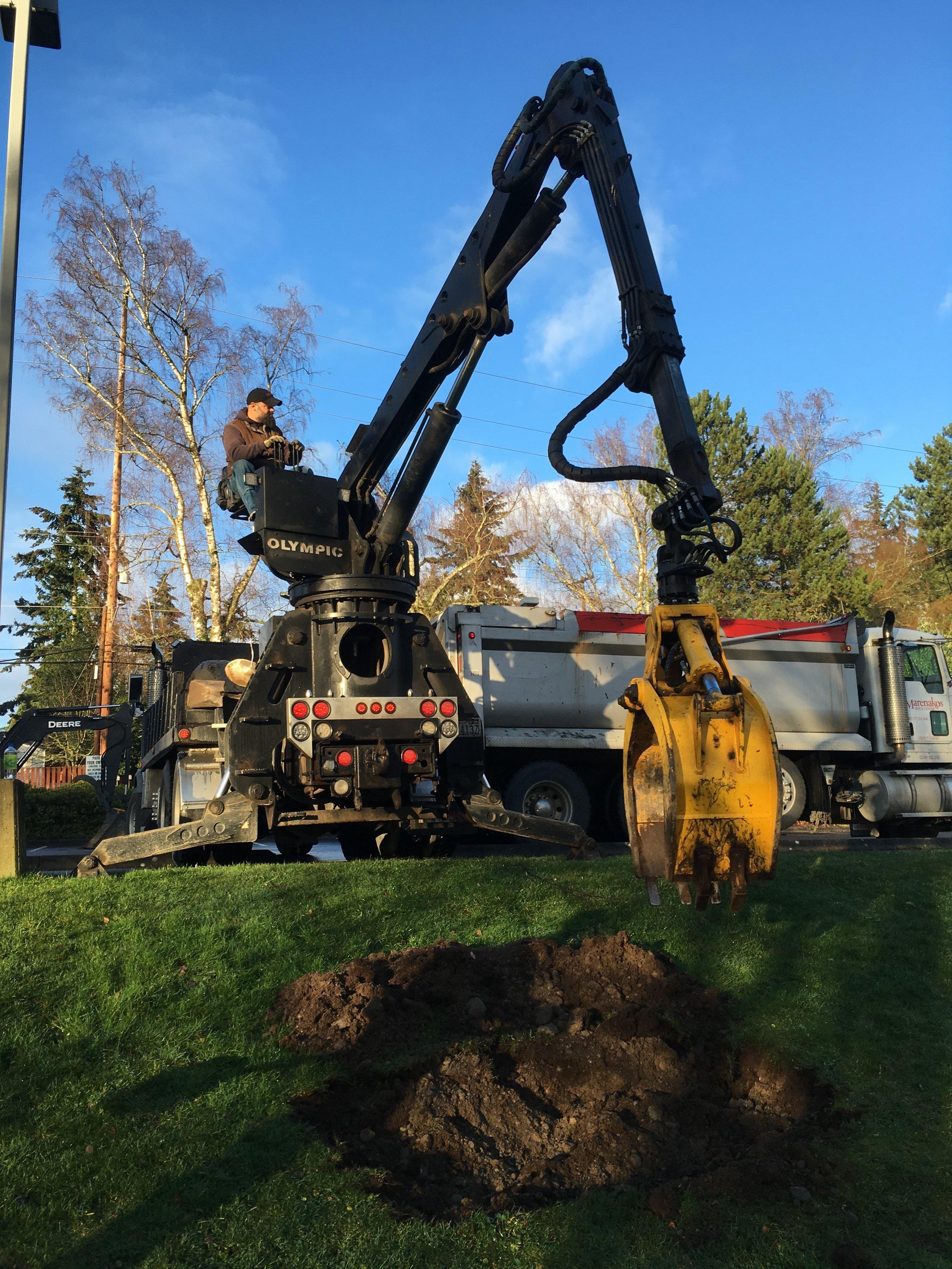 2 digging hole for E.JPG