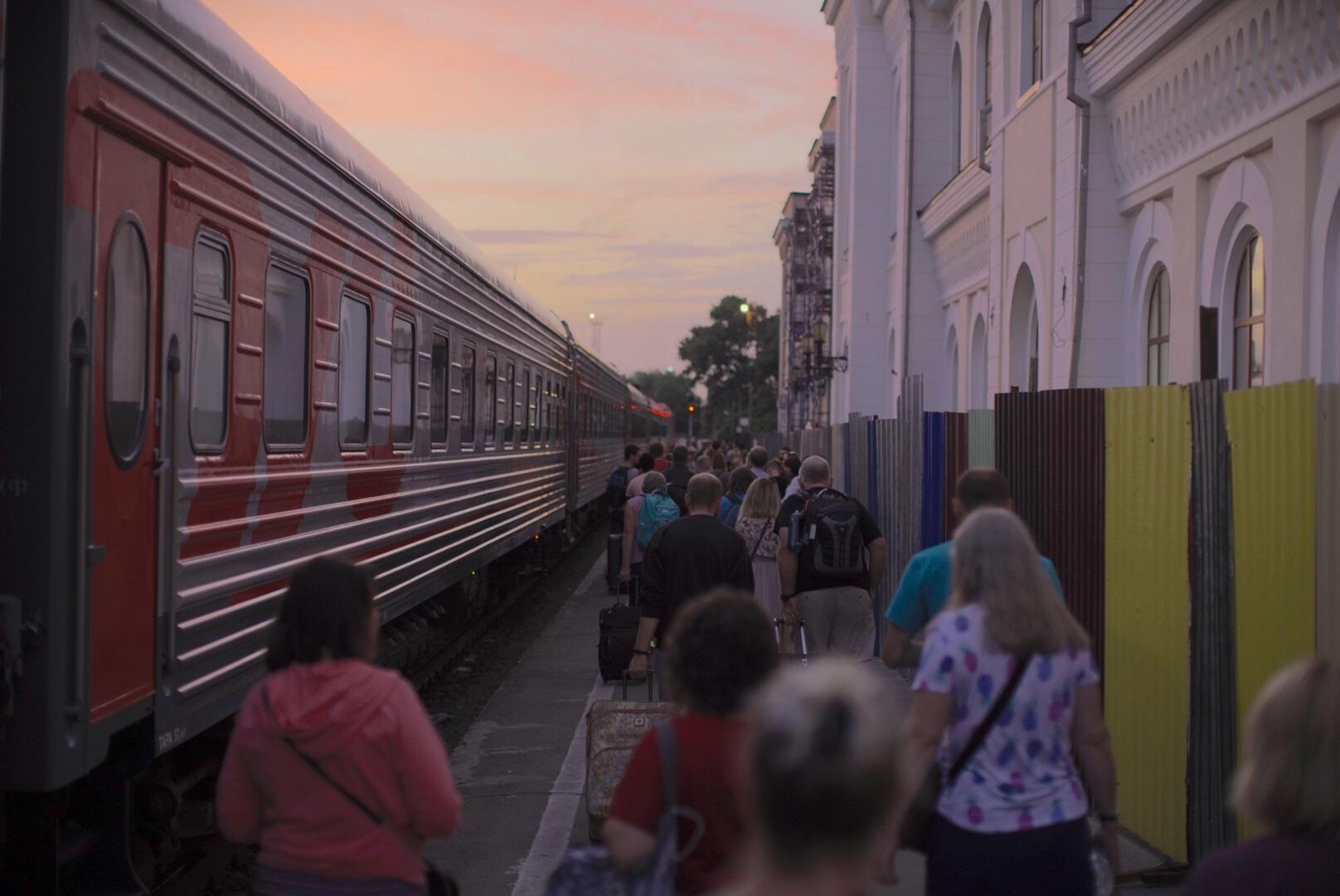 Boarding the train in Tambov on Monday evening