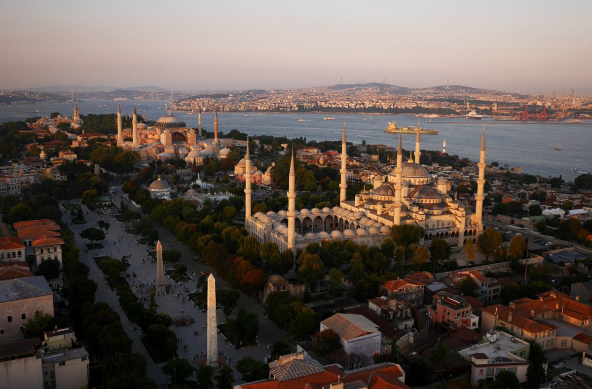 chapples-drone-also-floated-over-the-blue-mosque-in-istanbul-turkey.jpg