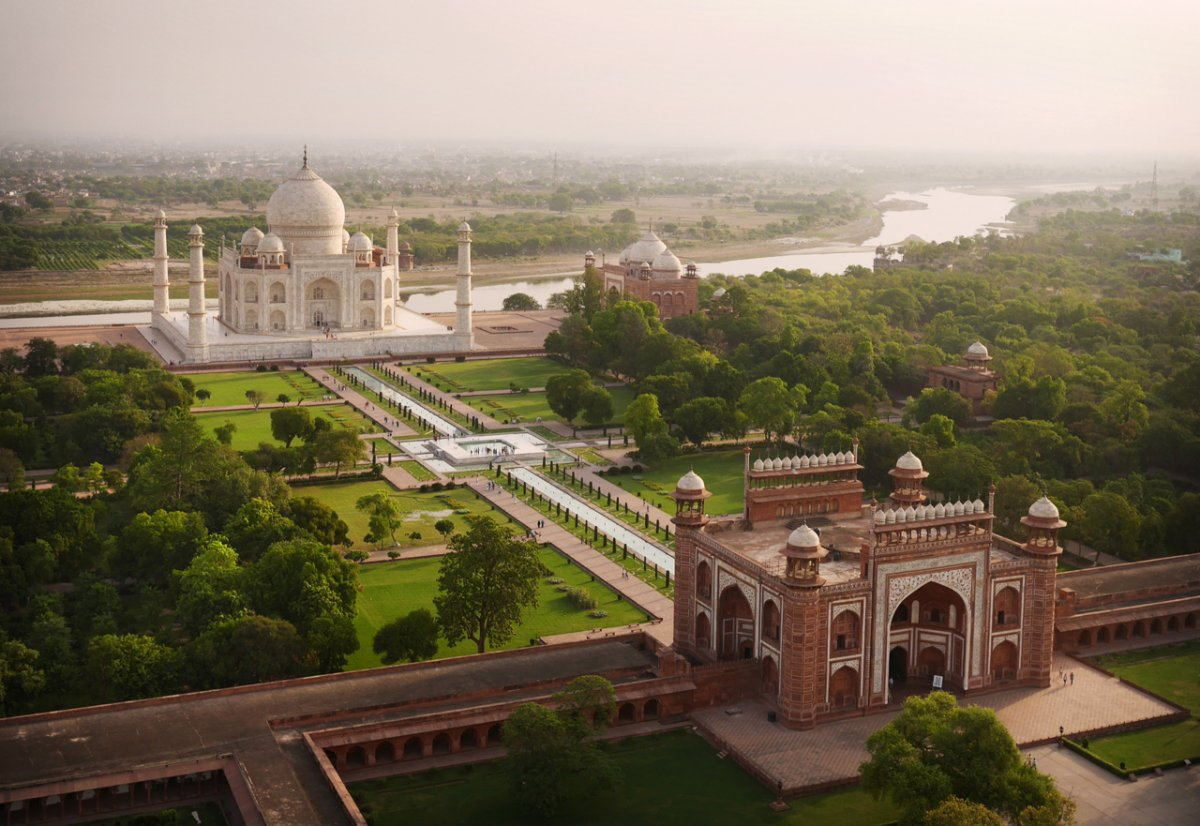 photographer-amos-chapple-captures-the-worlds-most-famous-landmarks-from-the-taj-mahal-to-the-kremlin-using-a-drone.jpg
