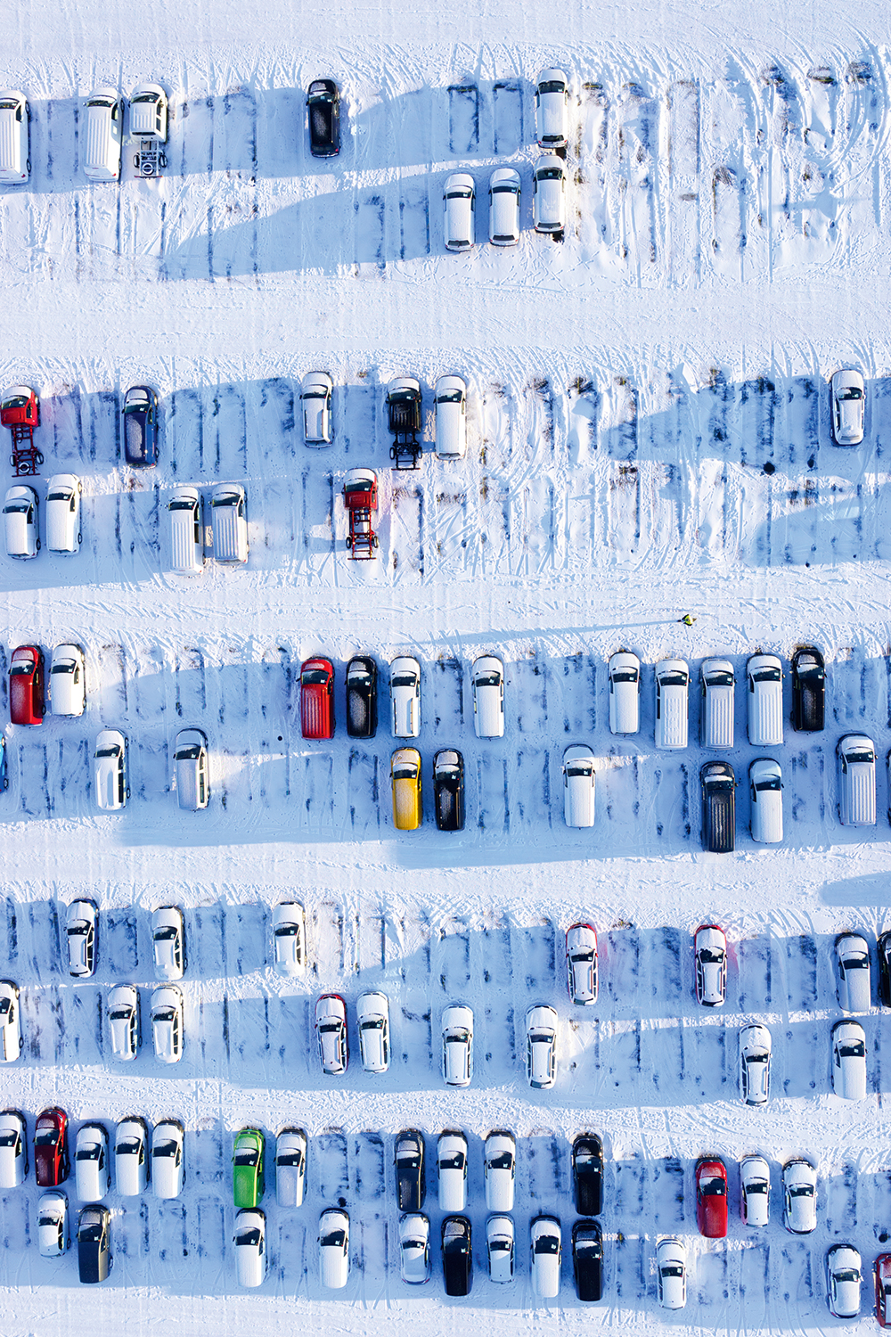 Anders_Andersson-cars-parked-in-snow.jpg