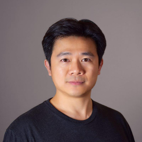 Wallace Lynch - Founder & CEO of Alpha TokenAs a serial entrepreneur, Wallace has founded three early stage IT startups and co-founded several media and consulting companies in U.S. and China.林日博士是华邑集团执行董事,硅谷密探联合创始人,洪泰硅谷A+孵化器天使基金副总裁,硅谷创业者联盟合伙人,简约APP创始人。