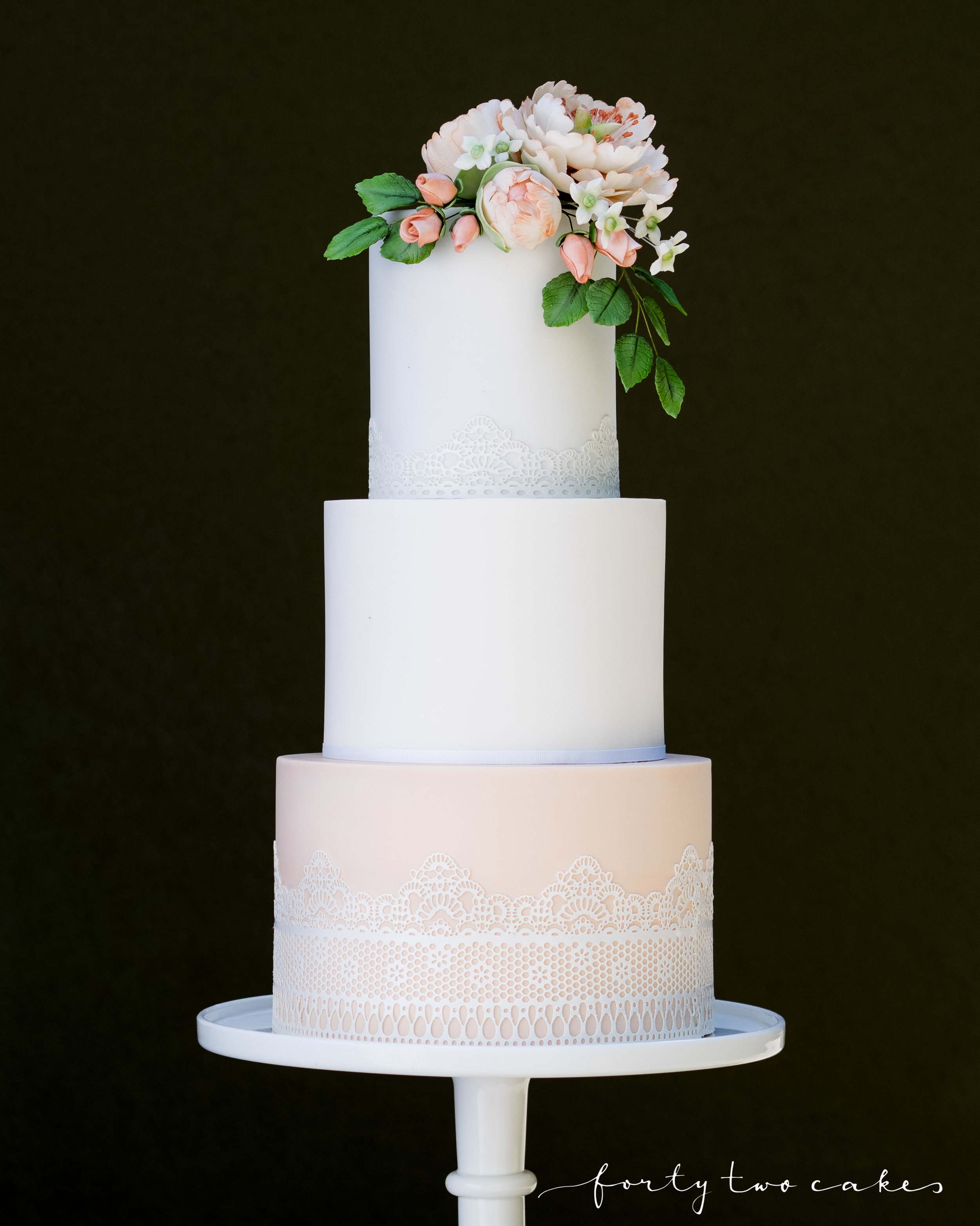 Forty-Two Cakes - Fondant-01-8.jpg
