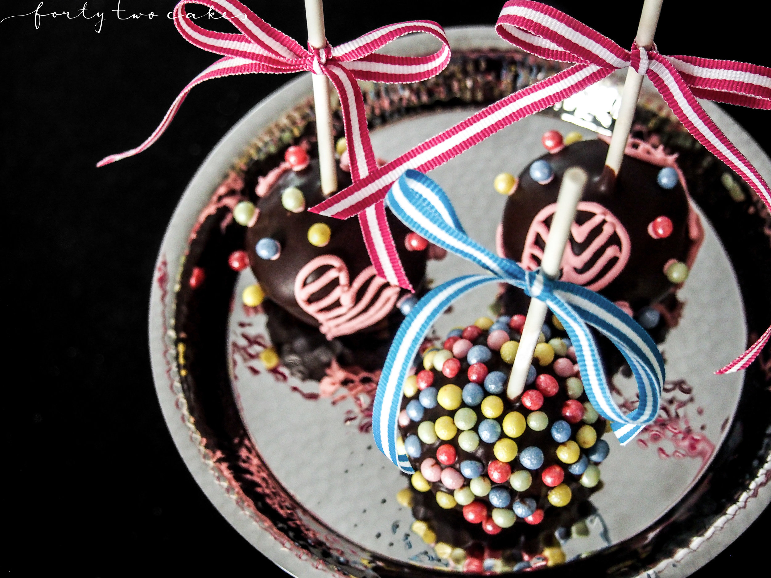Forty-Two Cakes - Small Things-05.jpg