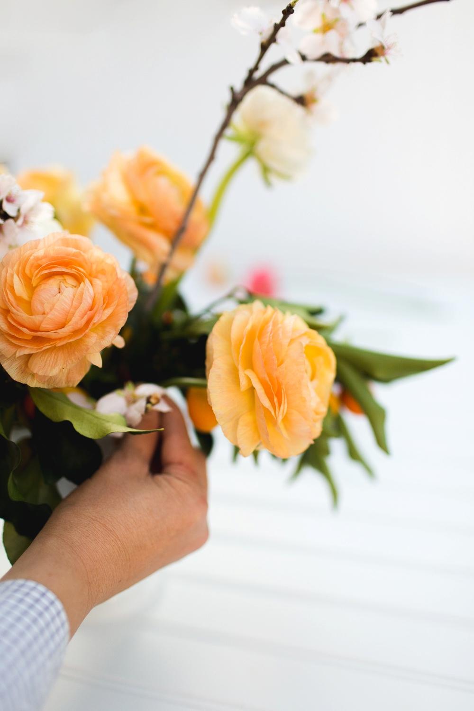 7Emblem Freutcake Floral Column Photography