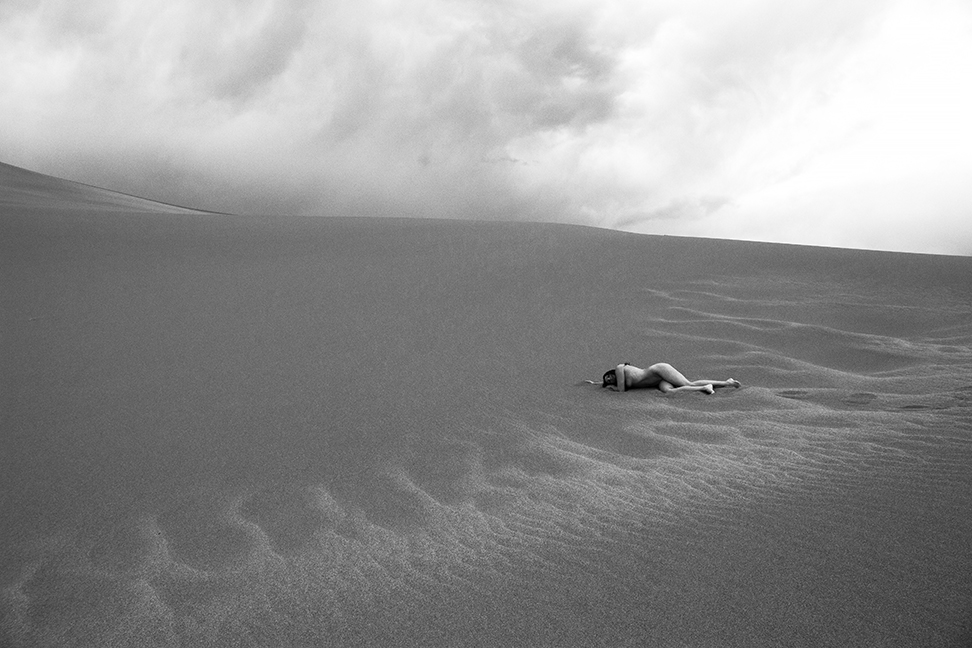 18_05_09 sand dunes final 293 bw sharp VEINS OF THE EARTH 2 sm.jpg