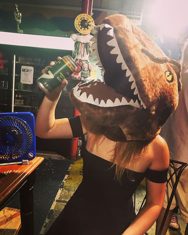 """""""You're not you when you're hungry."""" 🦖#snickers #beerme • {Great night & 🔥 jams! Thank you @dreadcountry}"""