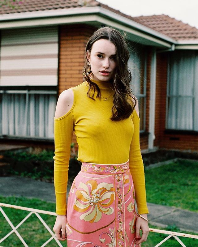 Daisy lane . Featured on @sticks_and_stones_agency by @kalindymillions #analogue #mixedbuisnesscollective #ishootfilm #editorial #fashion #filmphotography #70sfashion #model #35mm #photography