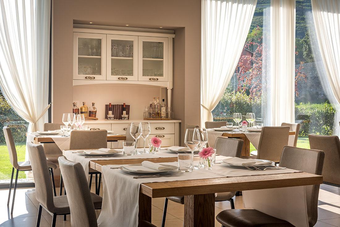 Sala ristorante Moja.jpg