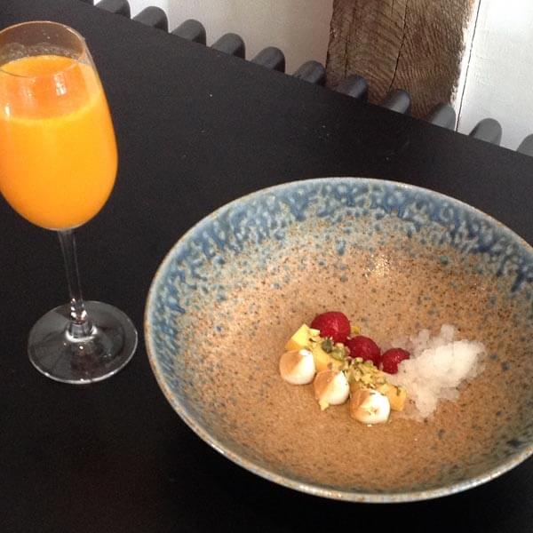 Food Pairing: Suffolk strawberries, sea buckthorn curd, pistachio, ginger beer ice