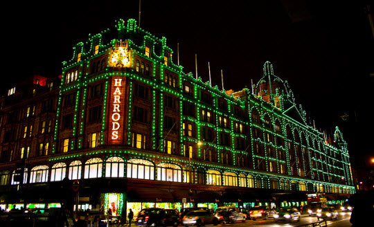 harrods-christmas-decorations-6p1ksbsb.jpg