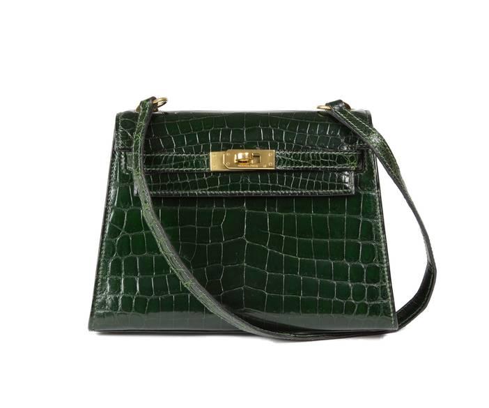 Kelly-20cm-green-shiny-croc-LG-01.jpg