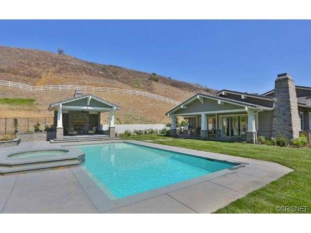 kylie-jenner-hidden-hills-mansion-house-home-3-640x480.jpg