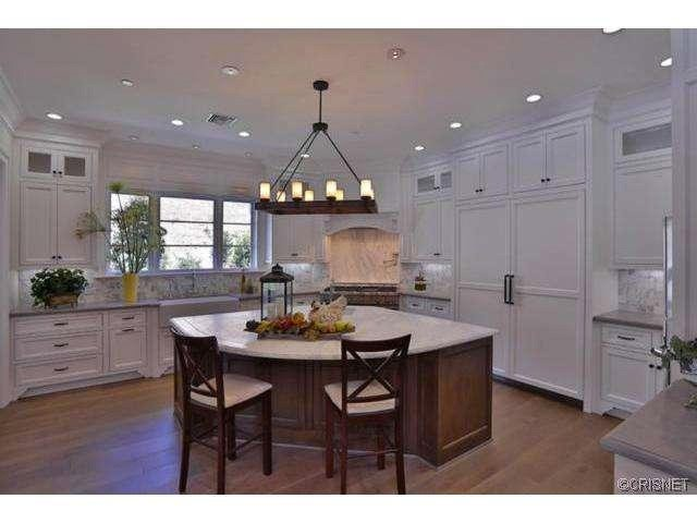 kylie-jenner-hidden-hills-mansion-house-home-7-640x480.jpg