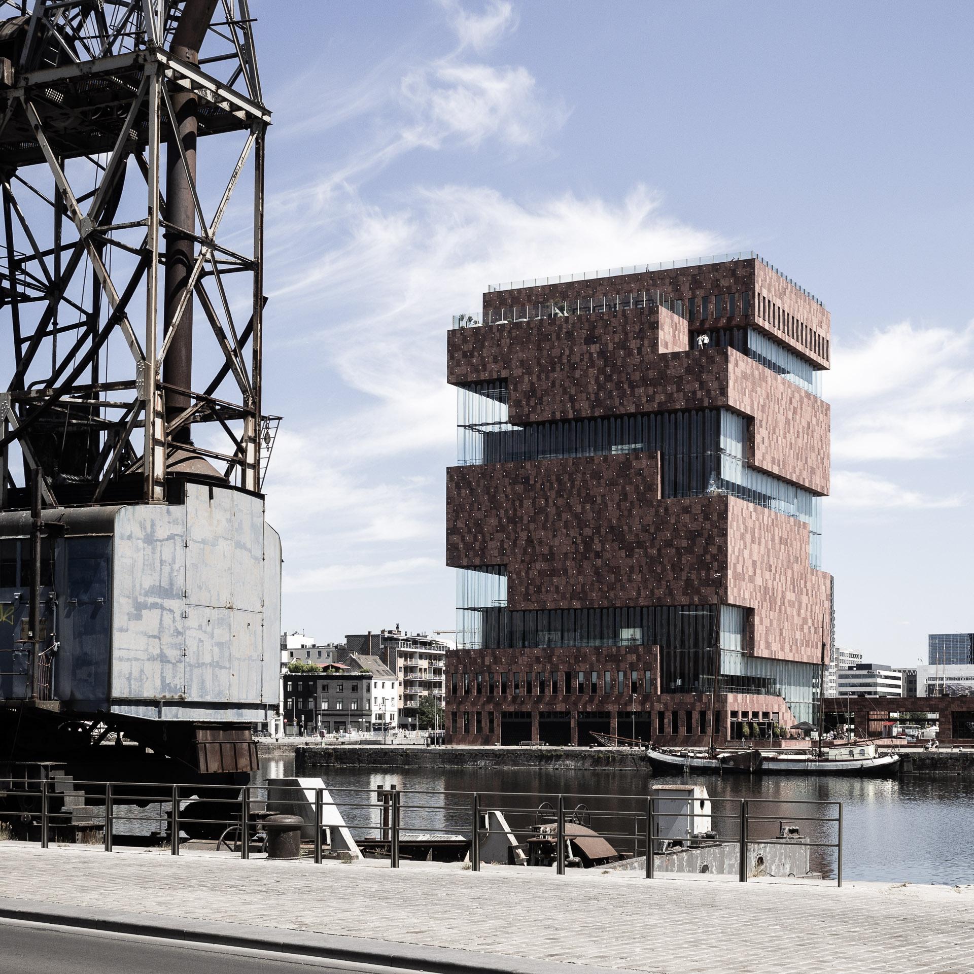 Architekturfotografie - Altes und Modernes im Hafen von Antwerpen