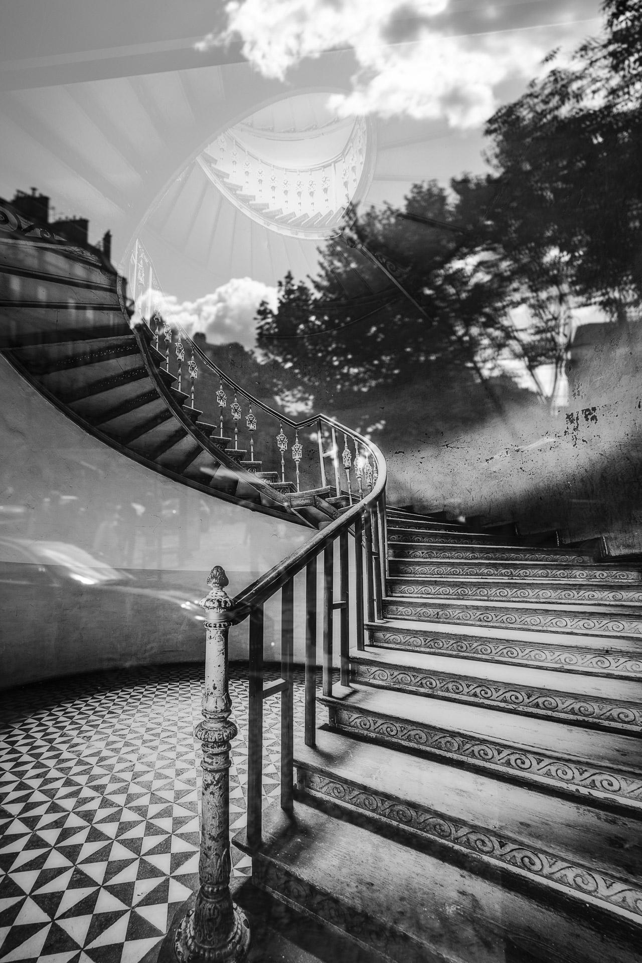 Fotowerk Kunstfotografie - Spiegelbilder - Himmelstreppe