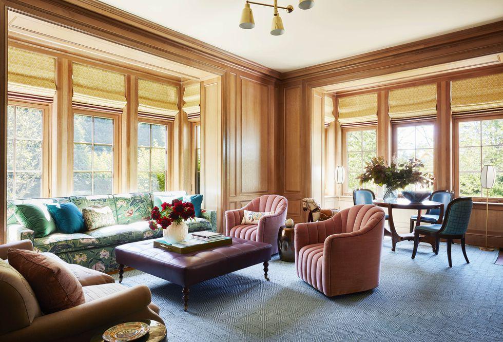 katie-ridder-hamptons-family-room-veranda-1556138942.jpg