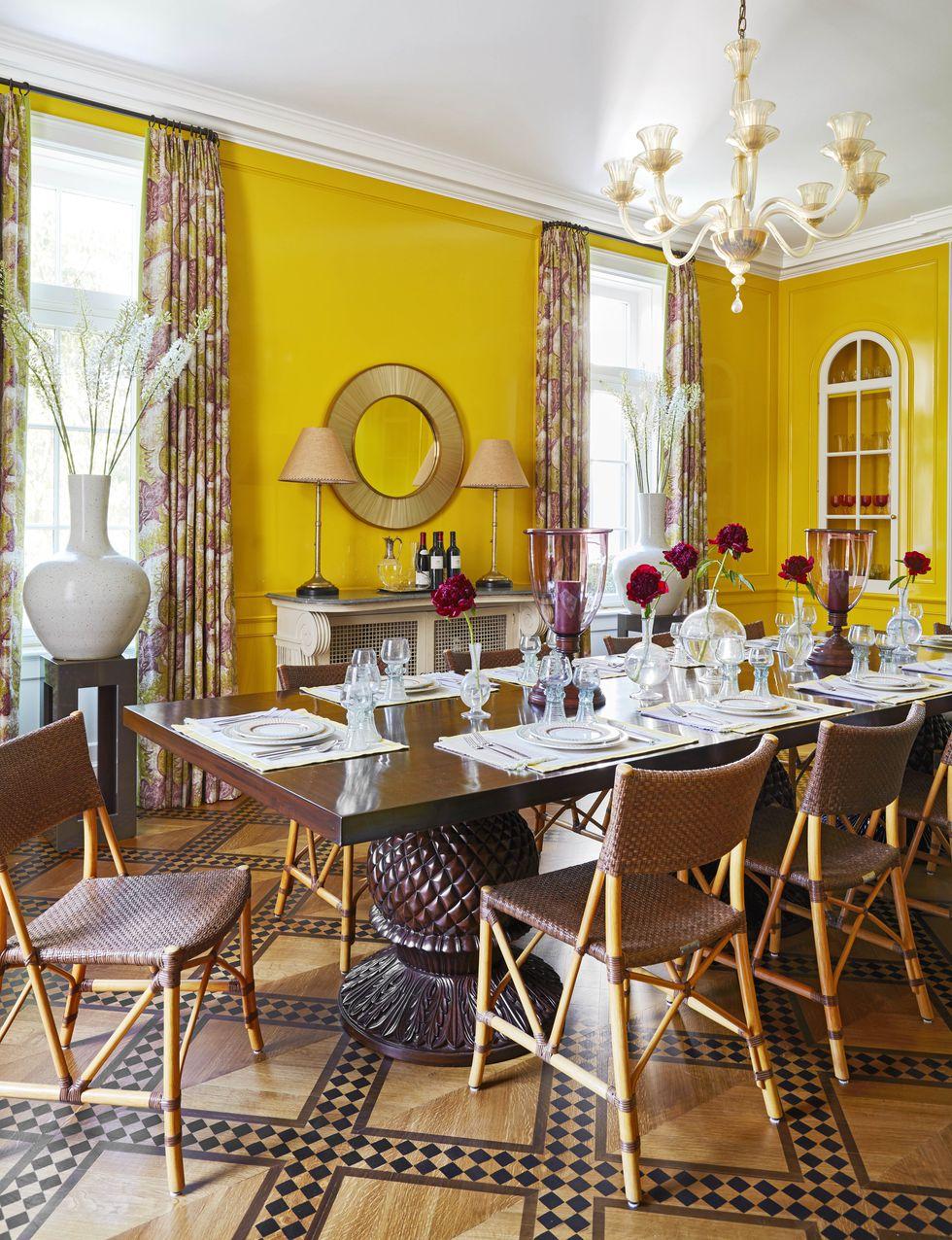 katie-ridder-hamptons-dining-room-veranda-1556138152.jpg