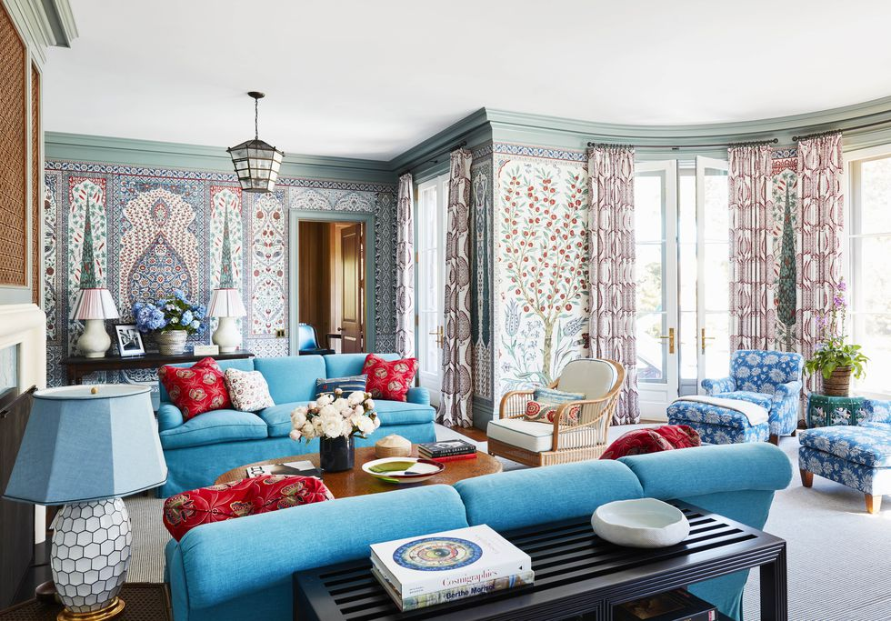 katie-ridder-hamptons-living-room-veranda-1556139642.jpg