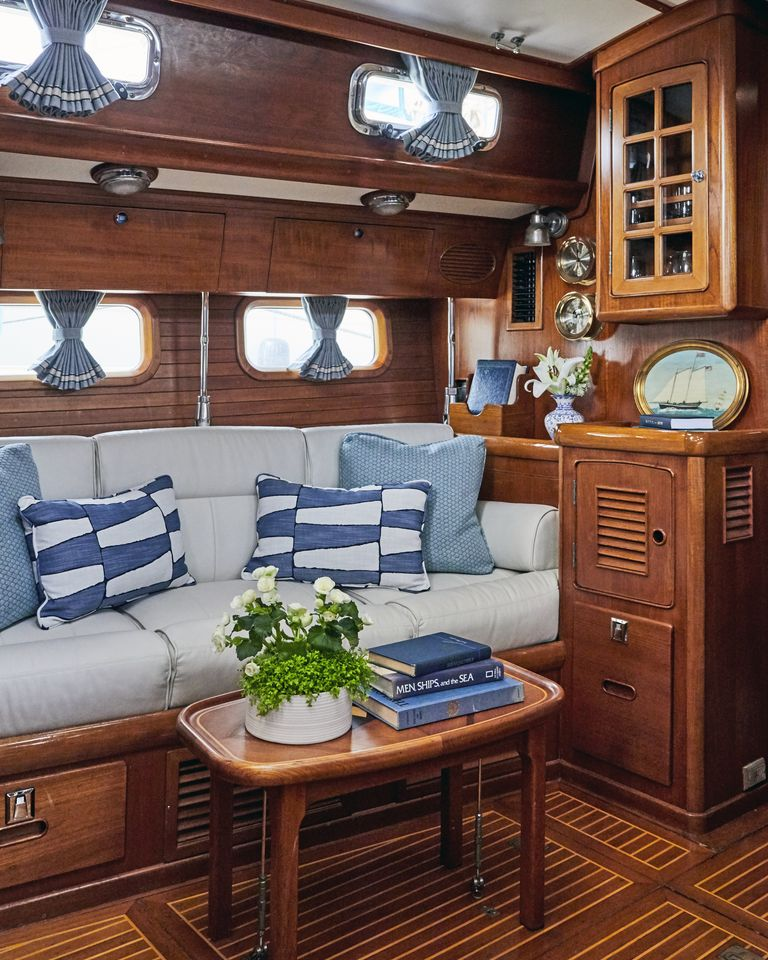 snowhawk-wooden-sailing-yacht-sloss-interior-sofa-jpg-1561485956.jpg