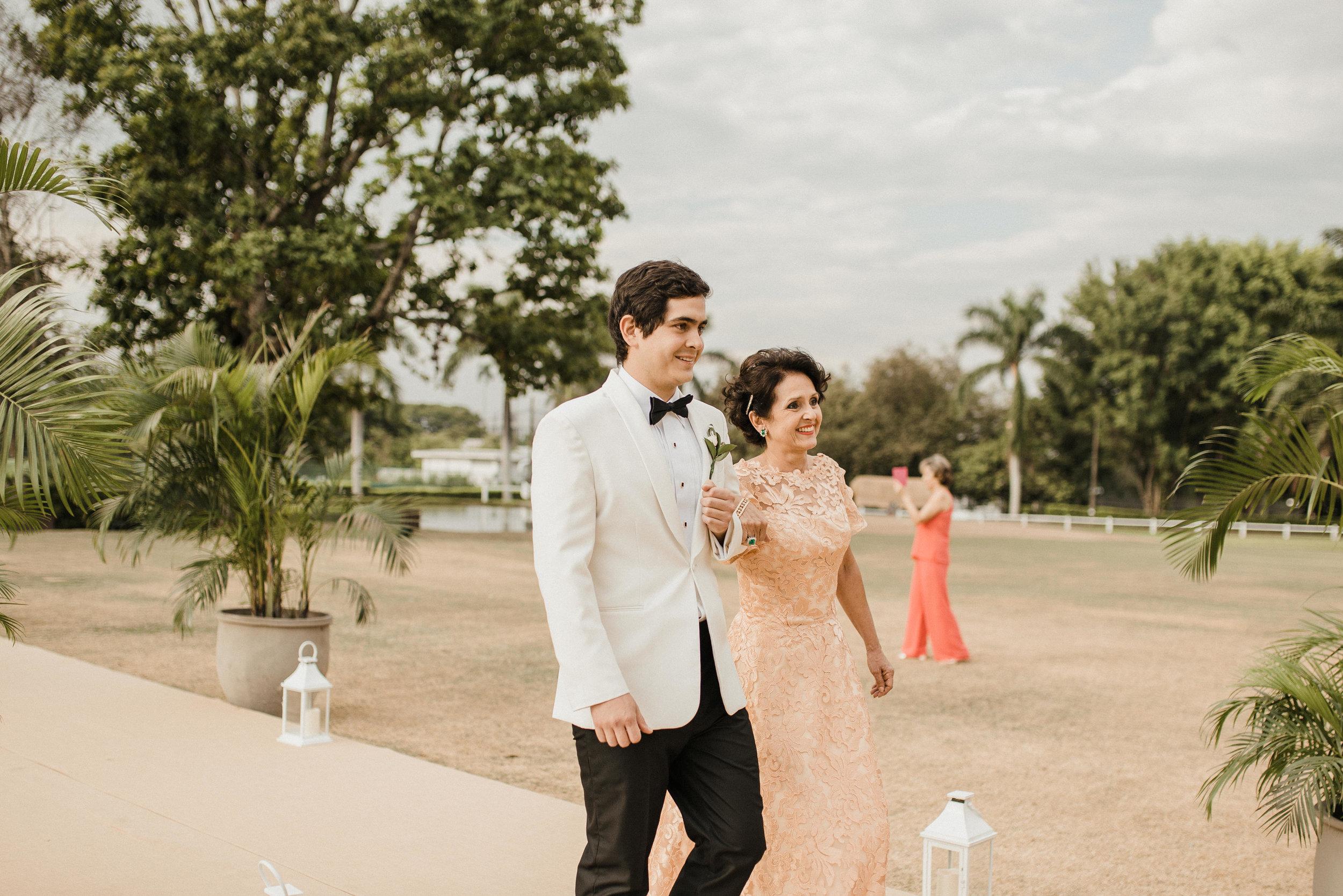 1 D+J Tropical Wedding-36.jpg