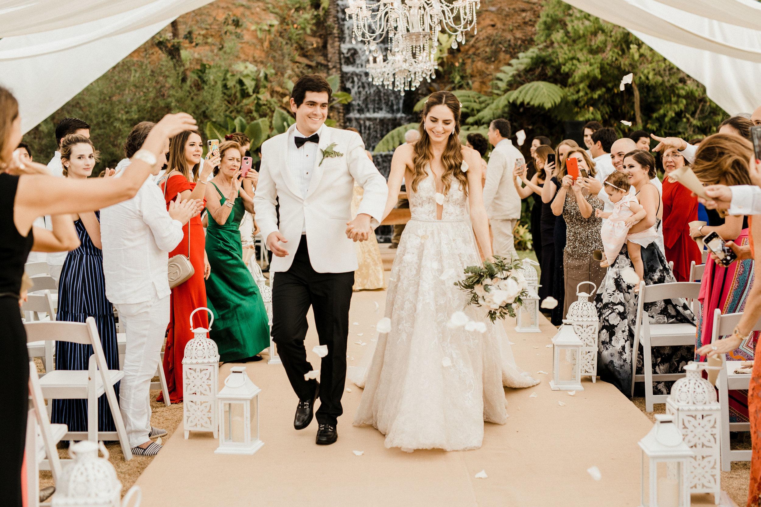 1 D+J Tropical Wedding-92.jpg