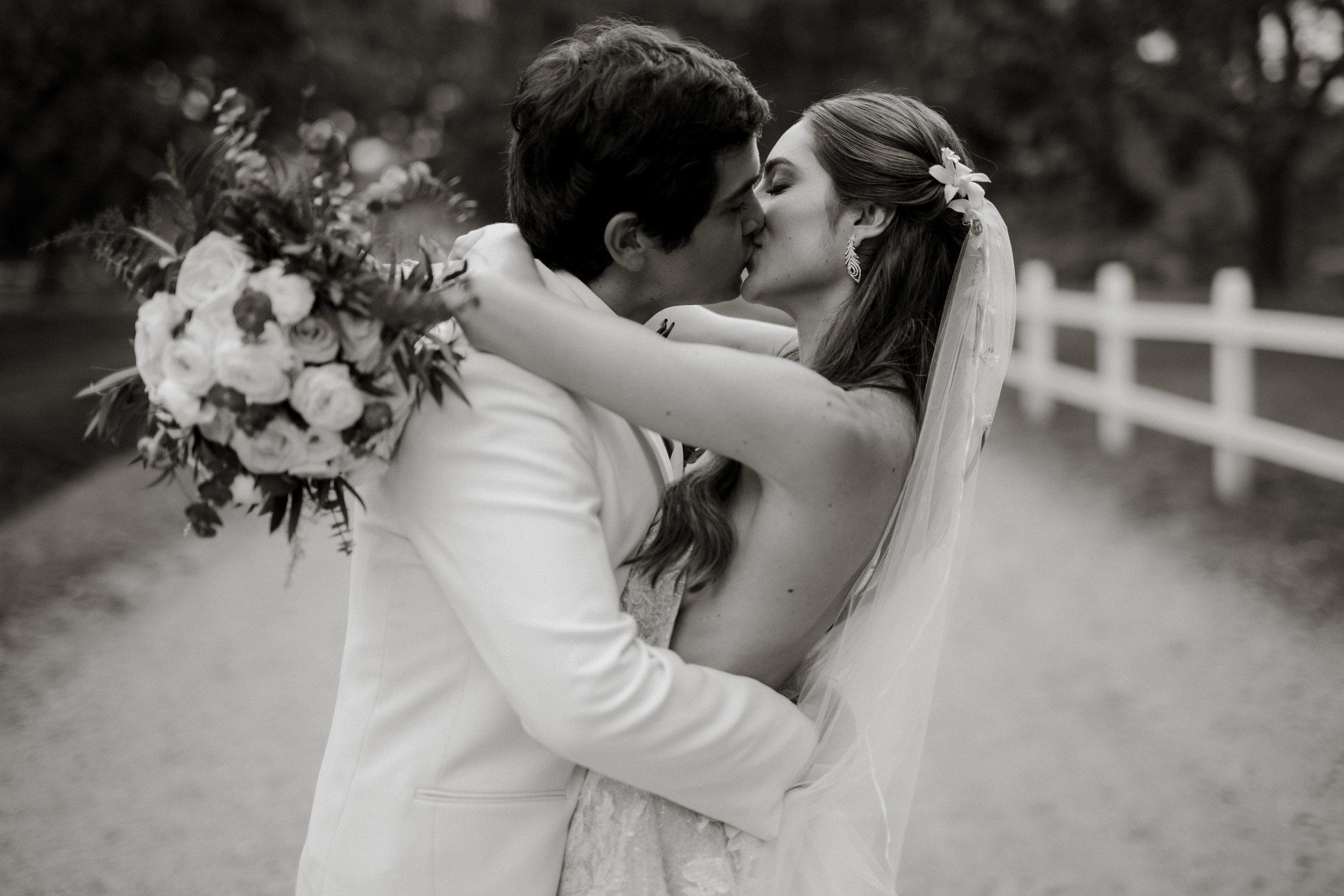 1 D+J Tropical Wedding-95.jpg